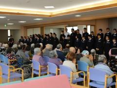 長寿の郷 遠野中学生「絆プロジェクト」で来所 10月23日